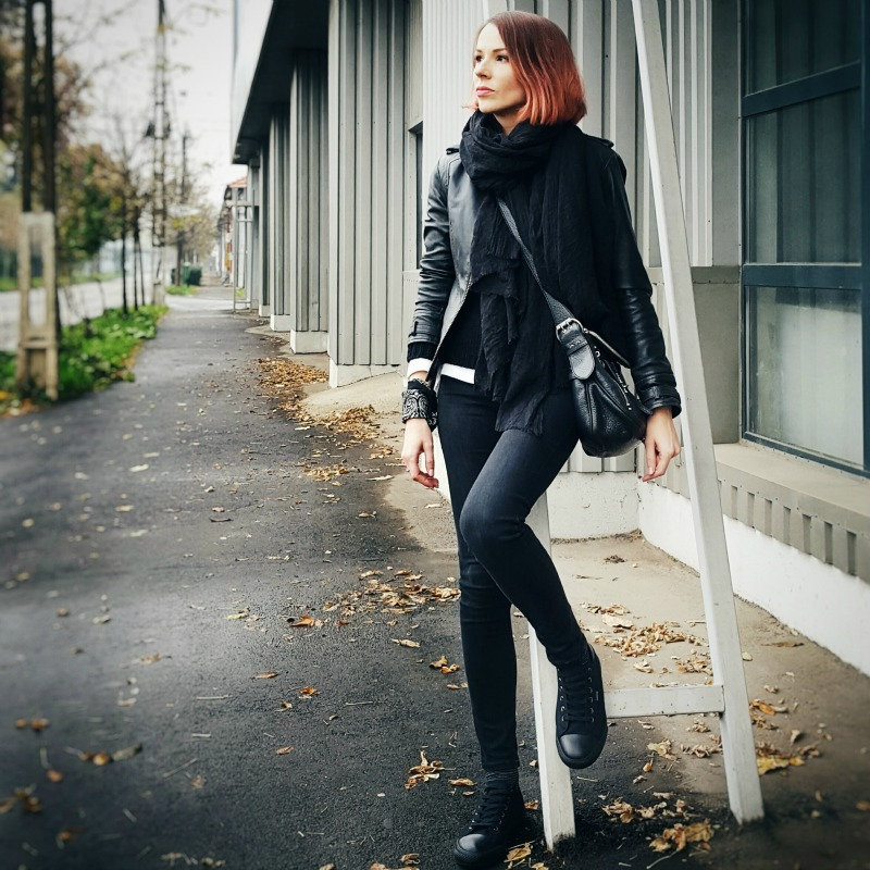 black-levis-sneakers